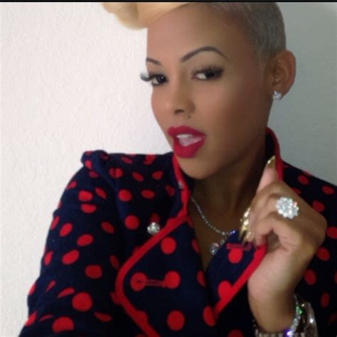 who does keisha kaior hair keyshia ka oir ceo of ka oir cosmetics wearing show off