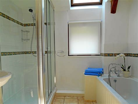 drakes bathrooms drake s self catering holiday cottage in devon