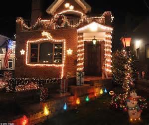 brooklyn neighborhood s christmas lights draw visitors