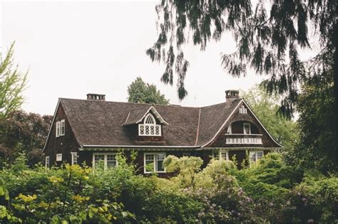 kurt cobain seattle house best 25 kurt cobain house ideas on pinterest kurt cobain band kurt cobain and