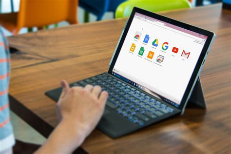 microsoft surface pro help desk new functionality could soon lead to google s chrome os in