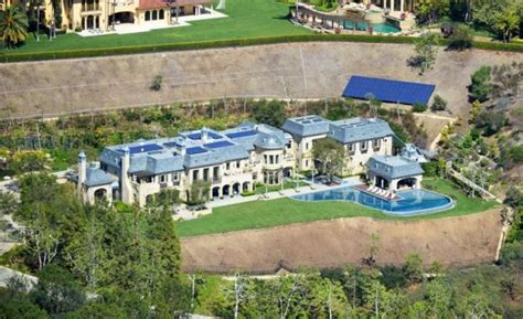 Tom Buys A Mansion by Luxury Mansions Homes Dr Dre 50 Million La