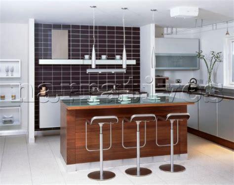 la003 06 modern kitchen with kitchen island breakfast