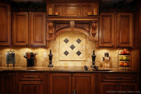 traditional kitchen backsplash ideas pictures of kitchens traditional medium wood golden brown kitchen 4