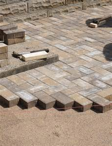 Laying Paver Patio Diy How To Lay A Level Brick Paver Patio Corner