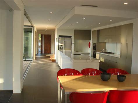 dentro casa fachada moderna casas sostenibles fachadas de casas y