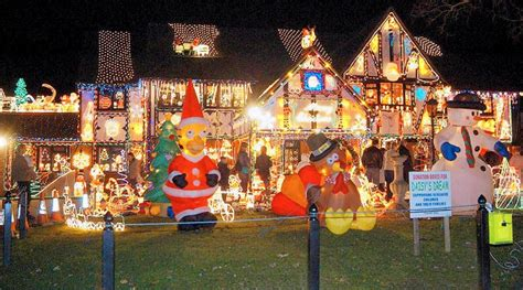 Cool Christmas Lights From Around The World Cool Things Cool Light Displays