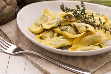 cucinare i carciofi giallo zafferano i commenti della ricetta ravioli ai carciofi al profumo di