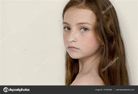 Zimmer Mädchen 4155 kleine nackte m 195 164 dchen
