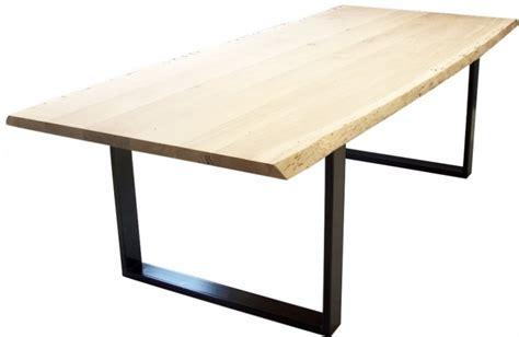eiken tafelblad schoonmaken industrile boomstam tafel chantal met een stalen onderstel