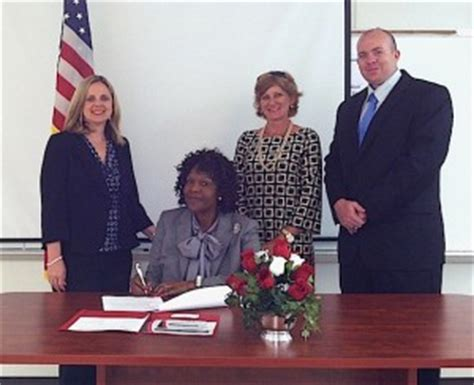 Hale County Records Hale County Schools System Signs Uwa Connect Agreement