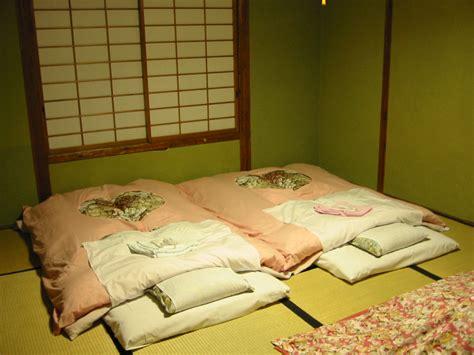 was ist futon was ist ein futonbett bett futnbett chillen