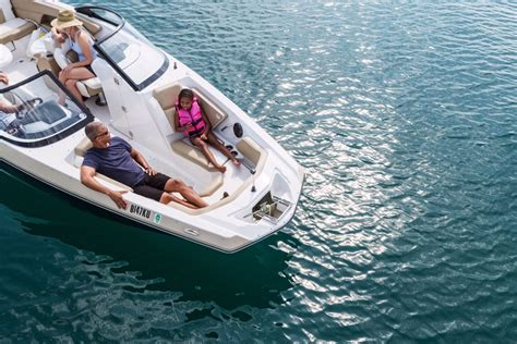dream boat and water discover boating boating guide find your dream boat
