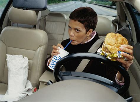 psa eating in the car increases risk of food poisoning