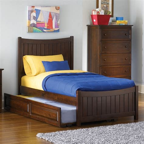 manhattan bedroom set dreamfurniture com manhattan bedroom set walnut