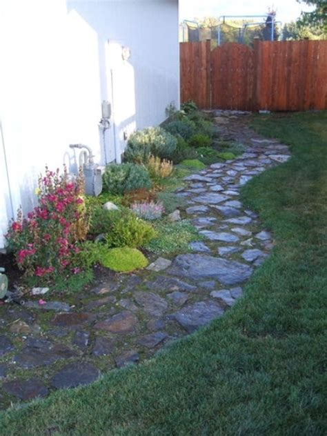 awesome garden stone paths digsdigs