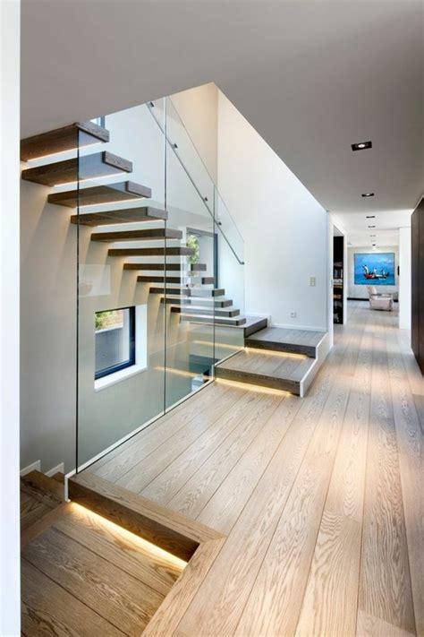 glasgelã nder treppe wand design