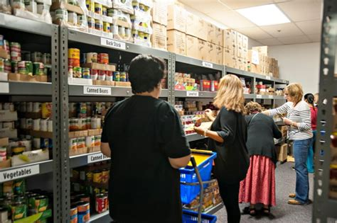 Lake Food Pantry by Lake Pointe Food Pantry Offers Choice Day For Residents
