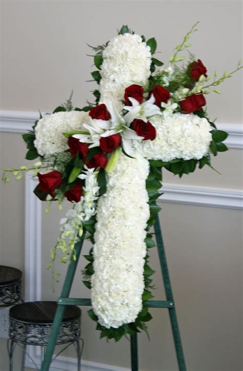 unique flower arrangements unique floral centerpieces sympathy flowers funeral