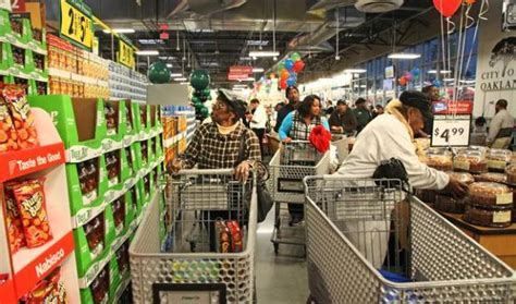 grocery store open on east oakland welcomes new supermarket the mercury news