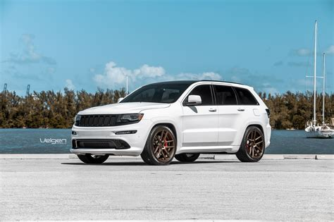 Jeep Srt8 White White Srt8 On Bronze Vmb5 Jeep Garage Jeep Forum
