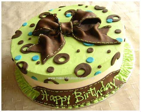 birthday cake decorating a stylish modern cake