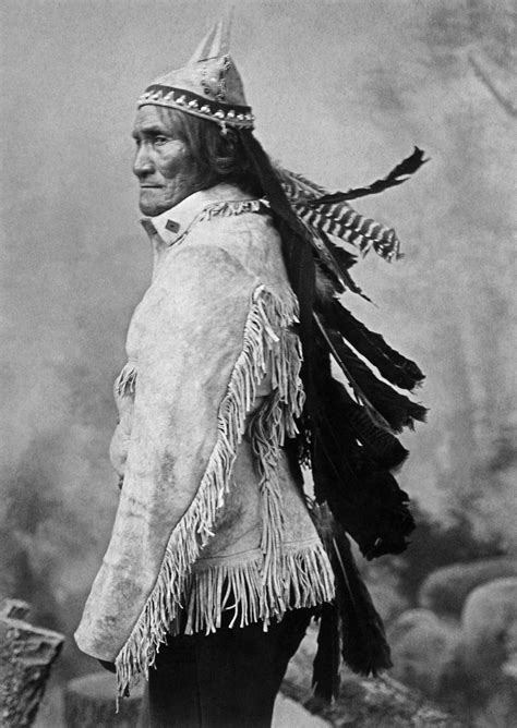 Jackie's Historical Facts: Geronimo Leader of the