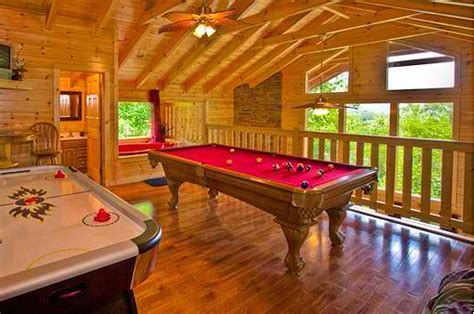 Dipping Cabin Pigeon Forge by Dipping Pigeon Forge Rentals