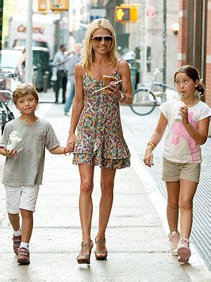 spotted kelly ripa and kids drink up moms babies celebrity 286 best kelly images on pinterest kelly ripa nicholas