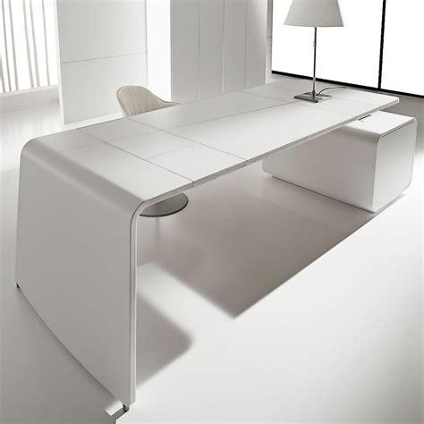 immagini di scrivanie sestante cuoio bianco scrivania with immagini scrivanie