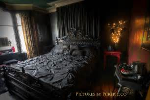 Gothic Bedroom Set Stripy Tights And Dark Delights Gothic Guest Houses