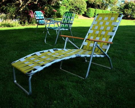 Chaise Lounge Lawn Chair by Mid Century Aluminum Chaise Lounge Folding Lawn Chair
