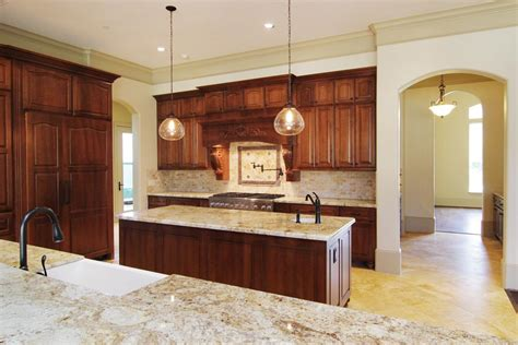 top of the line kitchen cabinets har kitchen 19x13 has colonial gold granite counter tops with top of the line appliances