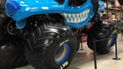 monster jam trucks   truck   world