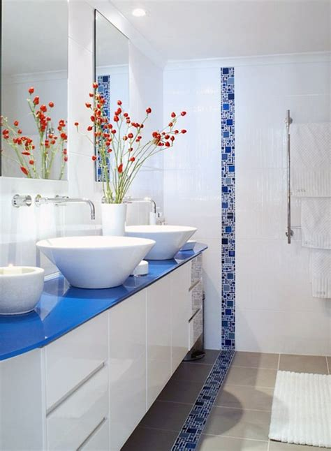 blue white bathroom decorations