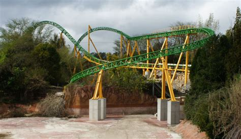 Busch Gardens Cheetah Hunt by Busch Gardens Cheetah Hunt Coaster Track Installation