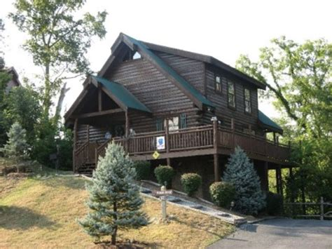 Cabin Parkway by 3 Master Suites Log Cabin 1 2 Mile From Parkway Vrbo