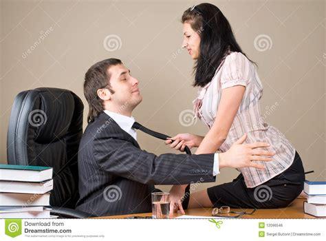 segretarie in ufficio capo e lui segretaria immagine stock libera da diritti