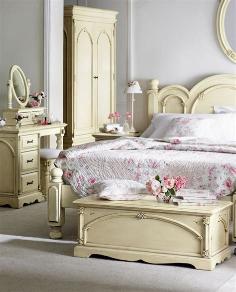 white vintage bedroom furniture antique bedroom furniture www whitebedroomfurniture co uk