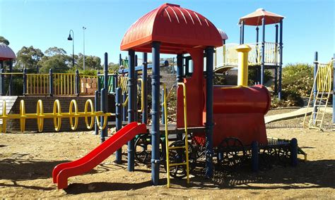 best playgrounds in queanbeyan canberra