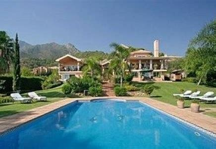 Luxury Homes Marbella Villa In Nueva Andalucia Marbella Luxury Property Luxury Homes Marbella