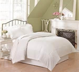white eyelet sheets