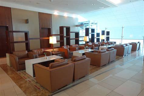 emirates business class lounge dubai emirates business class lounge dubai 20 one mile at a time