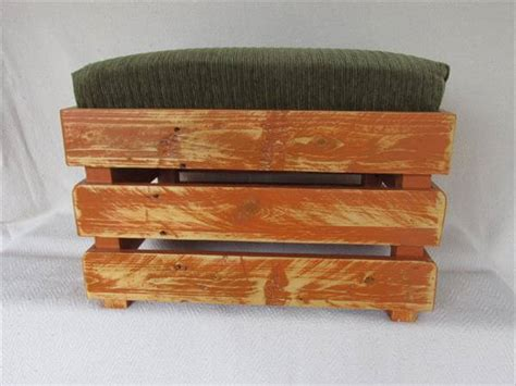 diy padded ottoman diy upholstered pallet ottoman step stool pallet