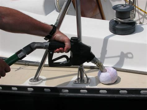 boat gas tank clean out fuel system maintenance boattech boatus