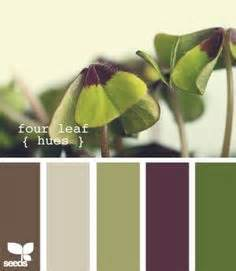 what color goes with green 1000 ideas about dark green couches on pinterest couch