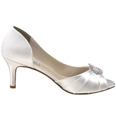 10 Prettiest Wedding Shoes by Top 10 Countries With The Most Beautiful
