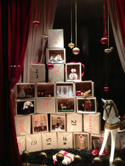 1000 ideas about christmas window display on pinterest