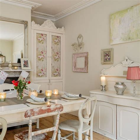 shabby chic christmas dining room with shimmering votives