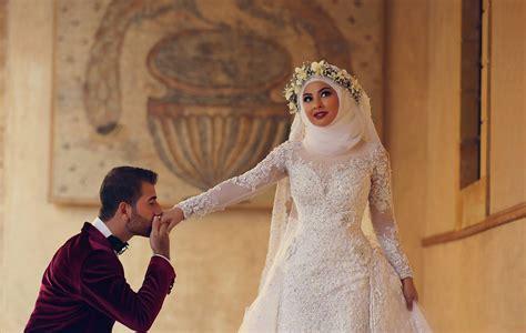 Latest White Lace Long Sleeve Arabic Bridal Dresses Formal Sweep Train Arab Wedding Dress Sheath